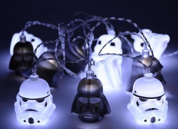 Instalatie de lumini Star Wars Darth Vader si Stormtrooper