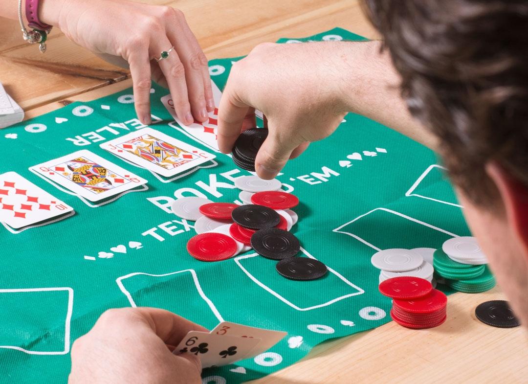 Joc de poker pentru birou